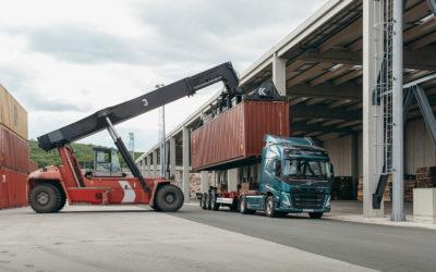 Volvo Trucks introduceert de nieuwe Volvo FM: een ruimere cabine met verbeterd zicht
