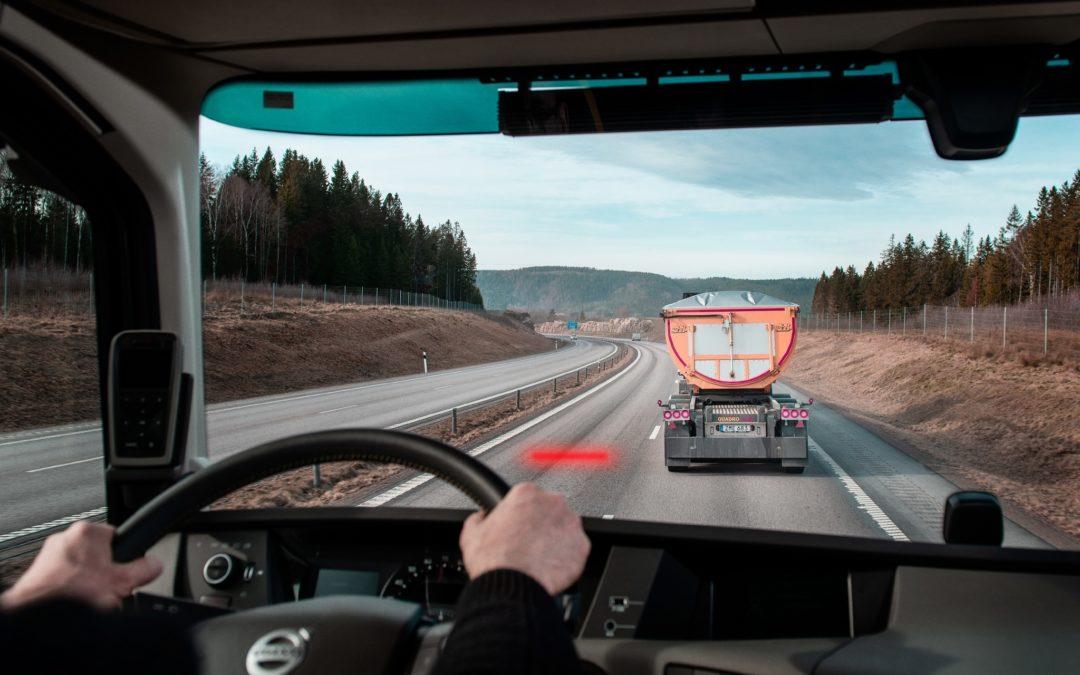Veiligheidsoplossing van Vo0lvo Trucks helpt chauffeurs om afstand te houden