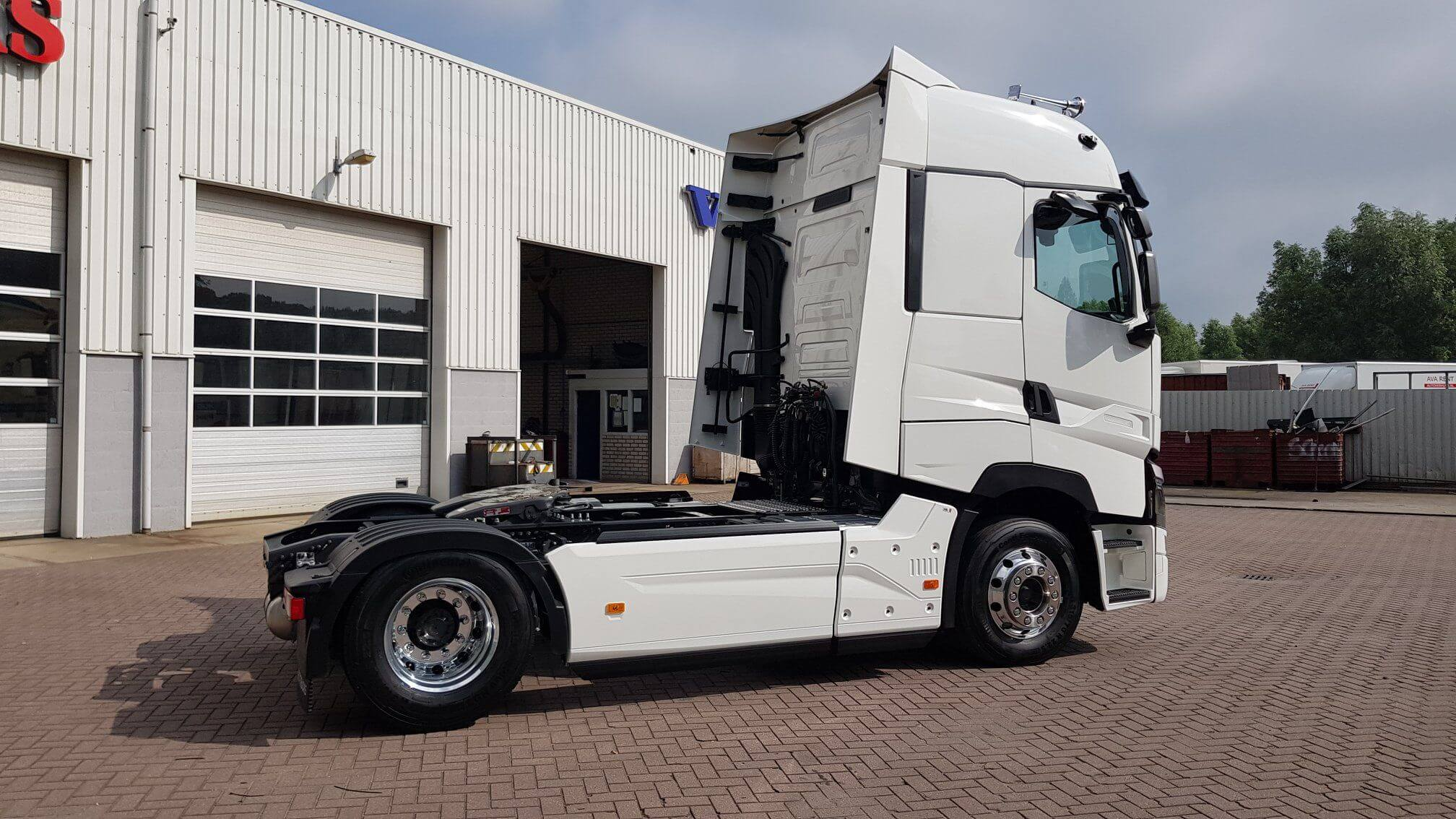 Van Doorn Renault T Trucks