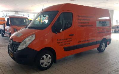 Van Dijk Trucks Utrecht levert twee elektrische Renault Masters aan Willemsen Infra BV