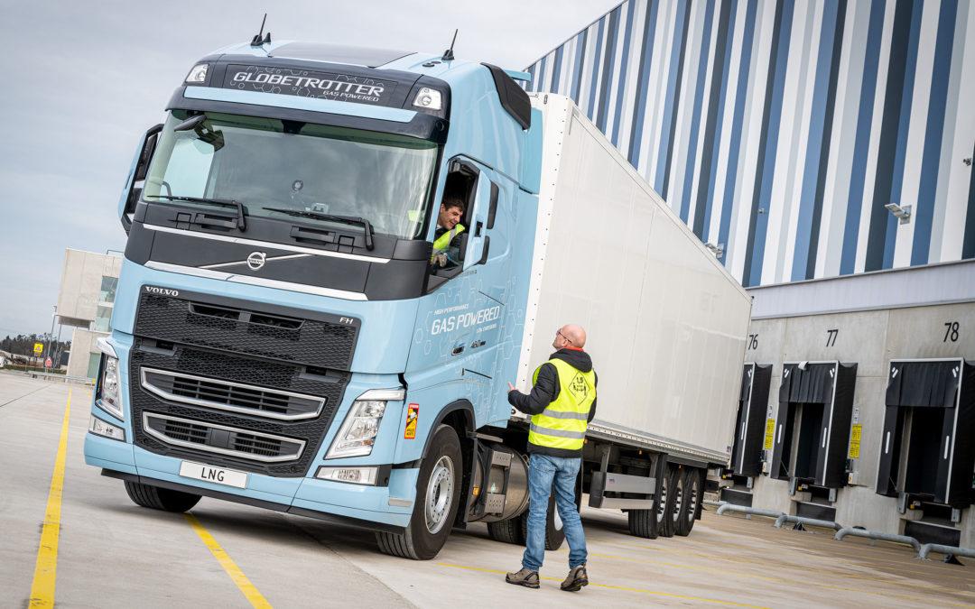 Exintra vermindert CO2-uitstoot kledingtransport met Volvo FH LNG